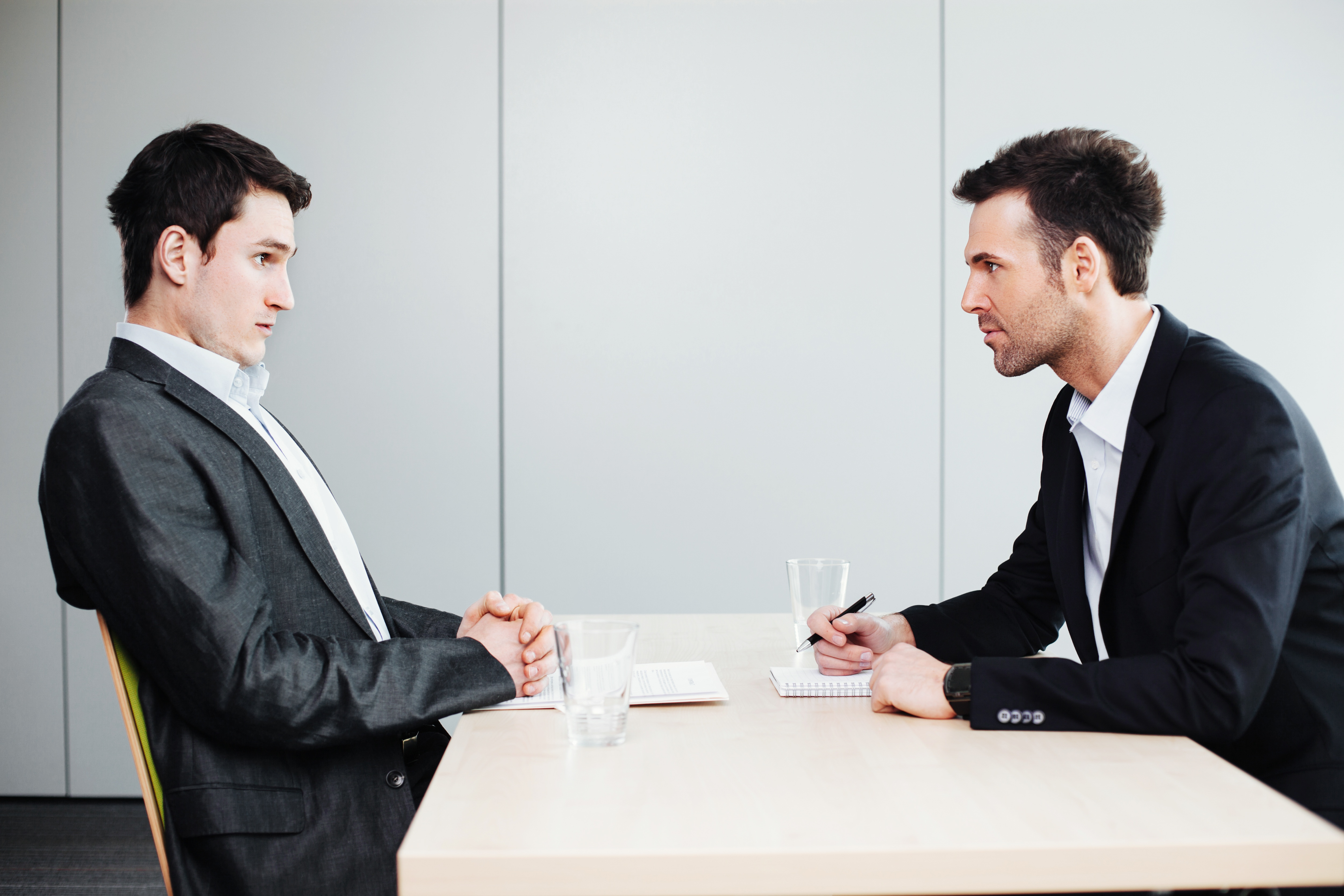 actitud del reclutador en la entrevista